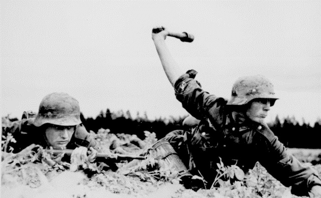 german-stick-grenade-throwing